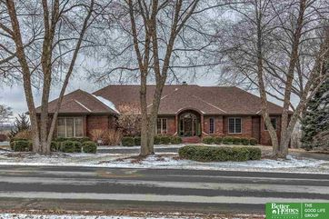 Photo of 3827 Hawk Woods Circle Omaha, NE 68112