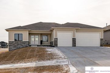 Photo of 18301 Sherwood Avenue Omaha, NE 68022