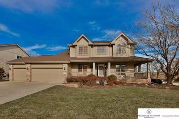 Photo of 5306 Timberridge Drive Papillion, NE 68133