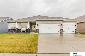 Photo of 4465 Brook Drive Bellevue, NE 68123