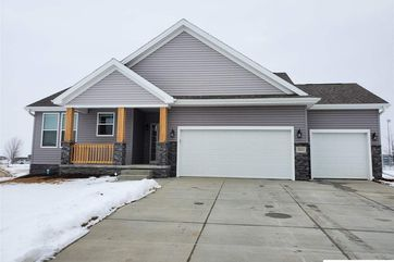 Photo of 2011 Hedgeapple Circle Plattsmouth, NE 68048