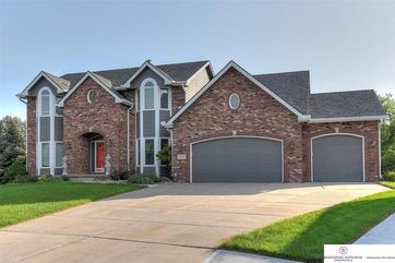 Photo of 17450 Archer Circle Omaha, NE 68135
