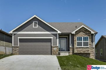 Photo of 17526 Potter Street Bennington, NE 68007
