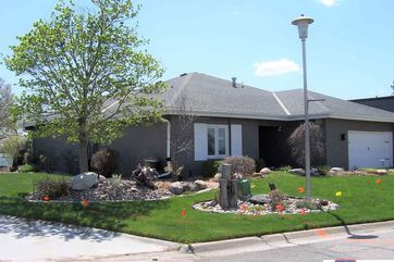 Photo of 982 N Lakeshore Drive Lincoln, NE 68528