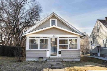 Photo of 4519 Nicholas Street Omaha, NE 68132