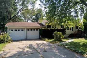 Photo of 8315 Nicholas Street Omaha, NE 68114