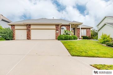 Photo of 5206 Woodlane Drive Papillion, NE 68133