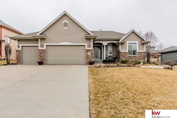 Photo of 1909 Crest Ridge Drive Papillion, NE 68133