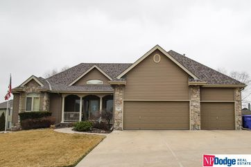 Photo of 703 Fleetwood Drive Papillion, NE 68133