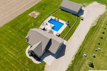 Photo of 6695 County Road 32 Fort Calhoun, NE 68023