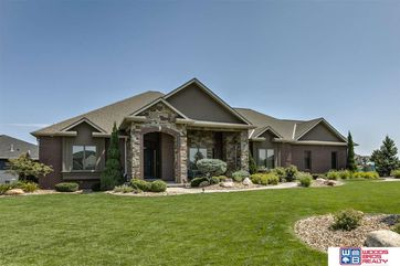 Photo of 10000 Blue Water Bay Lincoln, NE 68527