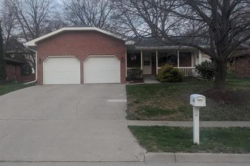Photo of 5411 Bison Drive Lincoln, NE 68516