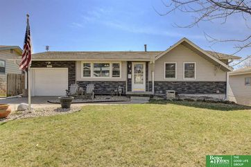 Photo of 7317 Wood River Drive Omaha, NE 68157