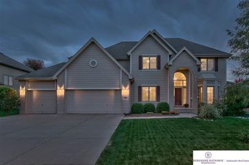 Photo of 1903 Ridgewood Drive Papillion, NE 68133