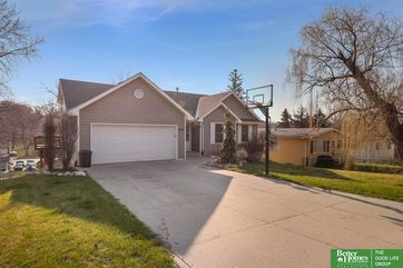Photo of 5847 S 51 Avenue Omaha, NE 68117