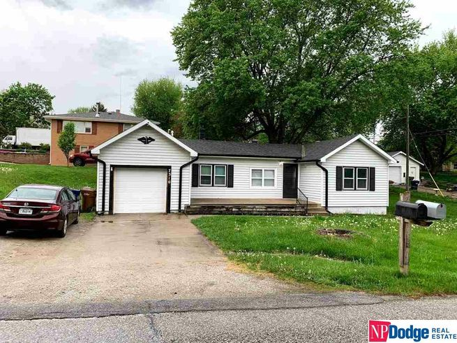7310-S-28th-Street-Bellevue-NE-68147