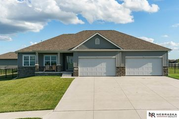 Photo of 18201 Stargrass Road Bennington, NE 68007