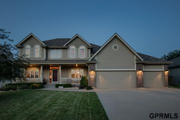 Photo of 7521 S 95 Street La Vista, NE 68128