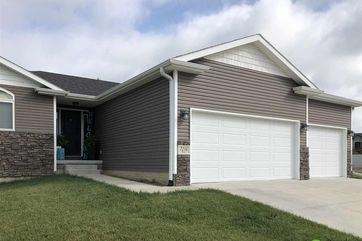 Photo of 7216 Rebel Drive Lincoln, NE 68516