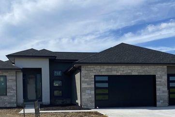 Photo of 20702 Woodridge Drive Gretna, NE 68028