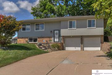 Photo of 15237 Lincoln Circle Omaha, NE 68154