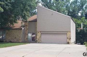 Photo of 16611 Pine Street Omaha, NE 68130