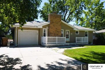 Photo of 7325 Wood River Drive Omaha, NE 68157