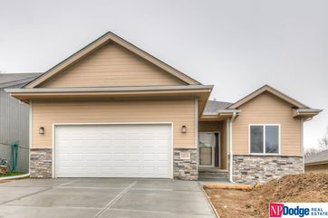 Photo of 10216 Brentwood Drive La Vista, NE 68128