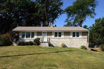 Photo of 2812 Bridgeford Road Omaha, NE 68124-2542