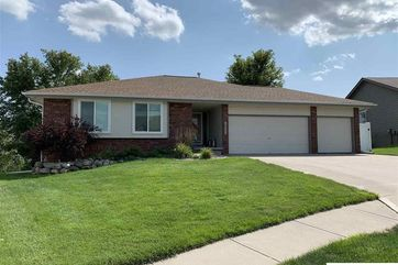 Photo of 16437 Cottonwood Street Omaha, NE 68136