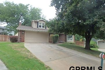 Photo of 16634 Cedar Circle Omaha, NE 68130