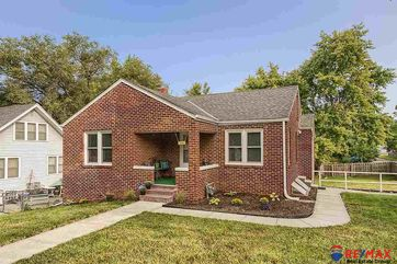 Photo of 4402 California Street Omaha, NE 68131