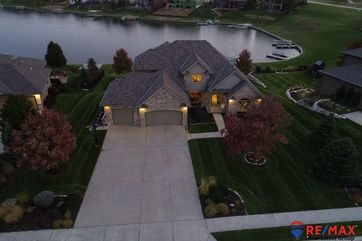 Photo of 17837 North Reflection Circle Bennington, NE 68007