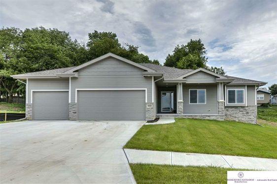 4308 Barksdale Drive Bellevue, NE 68123