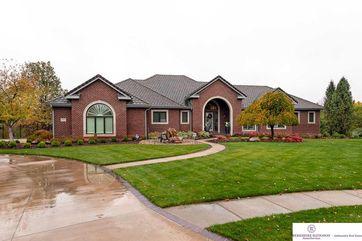 Photo of 13211 Nicholas Circle Omaha, NE 68154