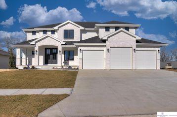 21206 C Street Elkhorn, NE 68022 - Image