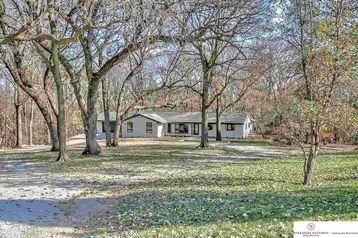 6477 Burr Oak Lane Omaha, NE 68122 - Image 1
