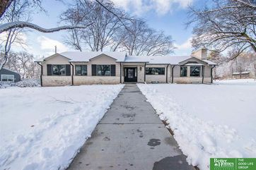 Photo of 2004 S 86th Avenue Omaha, NE 68124