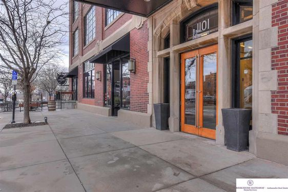 1101 Jackson Street #406 - Photo 4
