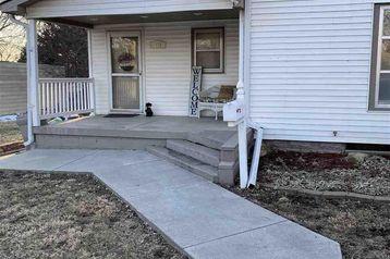 513 S 10 Street Beatrice, NE 68310 - Image 1