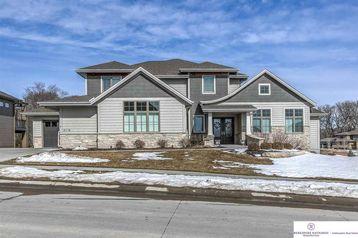 21118 Cedar Street Omaha, NE 68022 - Image