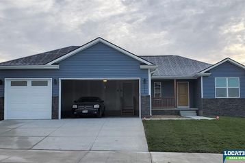 1290 Oakview Drive Hickman, NE 68372 - Image