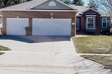 8841 Berg Drive Lincoln, NE 68505 - Image 1