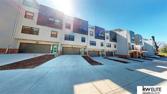 3105 Mayberry Plaza Omaha, NE 68105