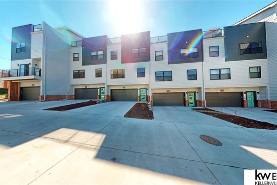 3105 Mayberry Plaza - Photo 3