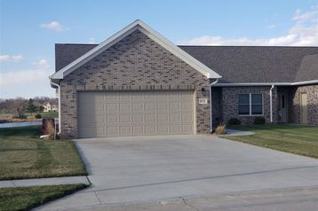 820 Meadow Street Beatrice, NE 68310 - Image