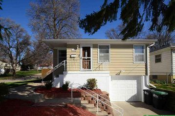 6676 Lake Street Omaha, NE 68104 - Image 1