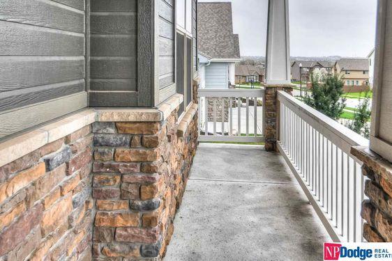 1011 Edgewater Drive - Photo 3