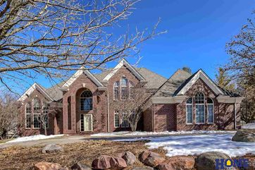 Photo of 6510 Winding Ridge Court Lincoln, NE 68512-2437