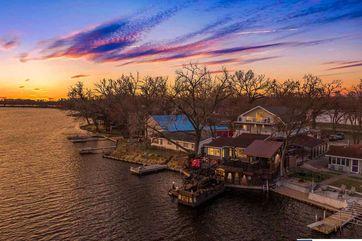Photo of 32403 E Lake Park Drive South Bend, NE 68058
